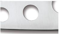 TRAINER Noże z nieostrzoną krawędzią tnącą, które są identyczne w masie i proporcjonalnie do ich ostrzych odpowiedników i wykorzystywane do celów szkoleniowych i treningowych. Trenerzy Spyderco mają czerwoną rączkę, co oznacza, że są nieostrzone. W przypadku innych producentów, często noże treningowe produkowane są z twardej gumy lub innych kompozytów.
